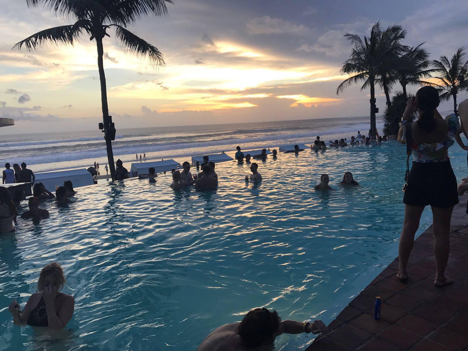 Rondreis Bali Seminyak strand 7