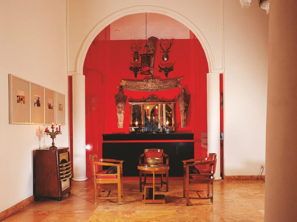 Blitar, Tugu hotel | Rama Tours