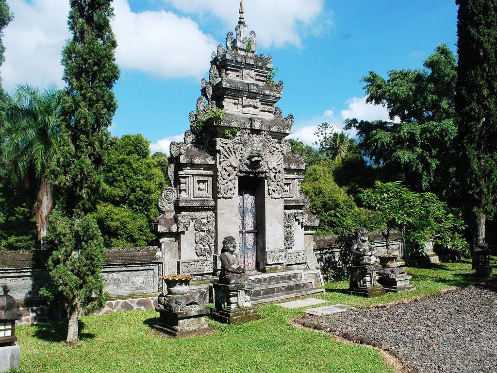 Kaliklatak, Wisata Irdjen Guesthouse (Banyuwangi) | Rama Tours