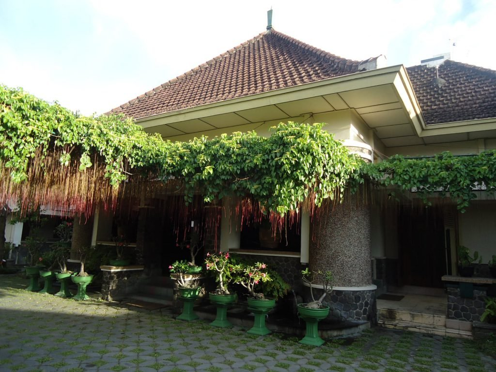 Solo, Roemahkoe Heritage hotel | Rama Tours
