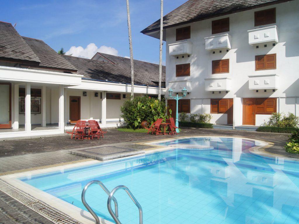 Wonosobo, Kresna Gallery hotel | Rama Tours