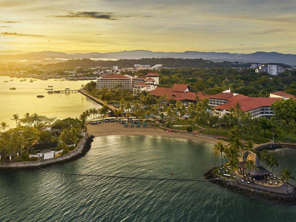 Kota Kinabalu, Tuaran, Shangri-La's Tanjung Aru resort | Rama Tours