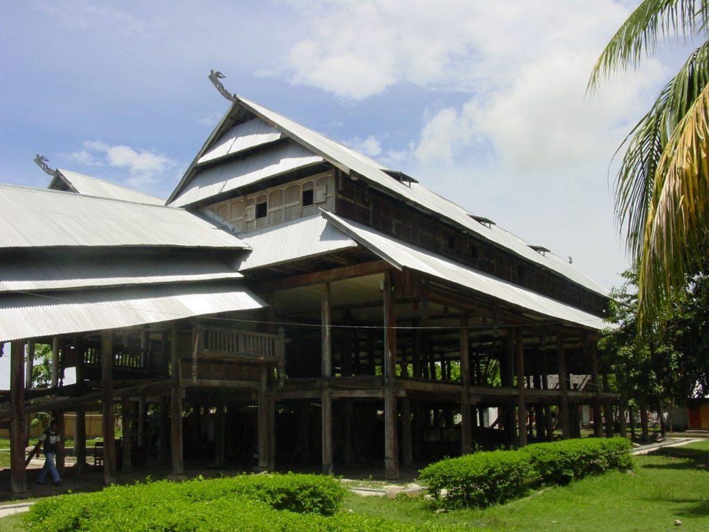 Sumbawa, Sumbawa Besar | Rama Tours