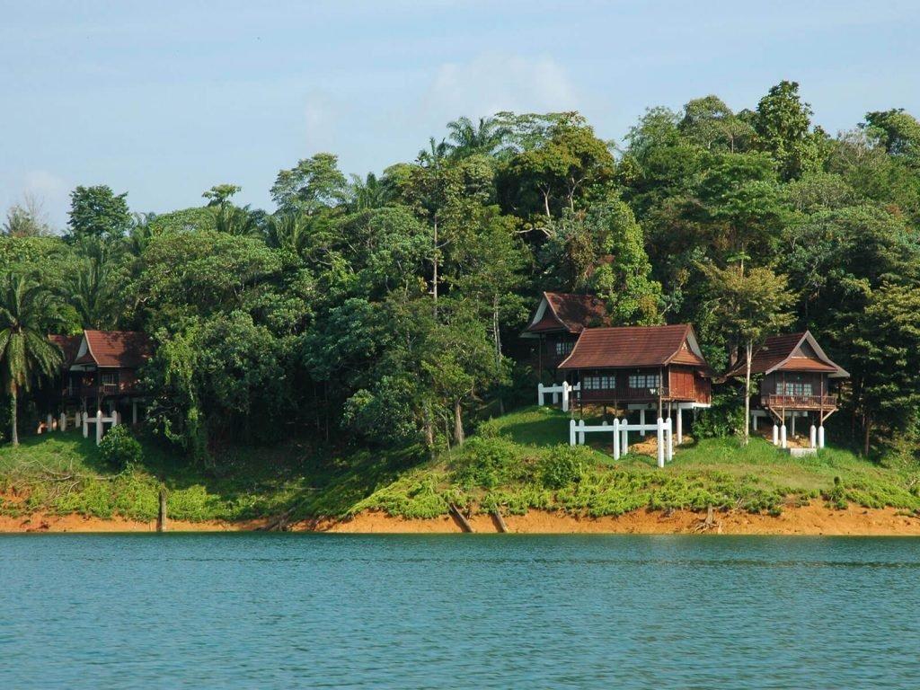 Lake Kenyir, Lake Kenyir resort   Rama Tours