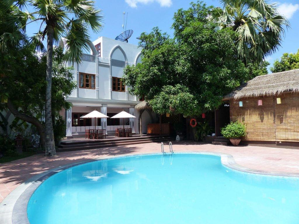 Bagan, Shwe Yee Pwint hotel | Rama Tours