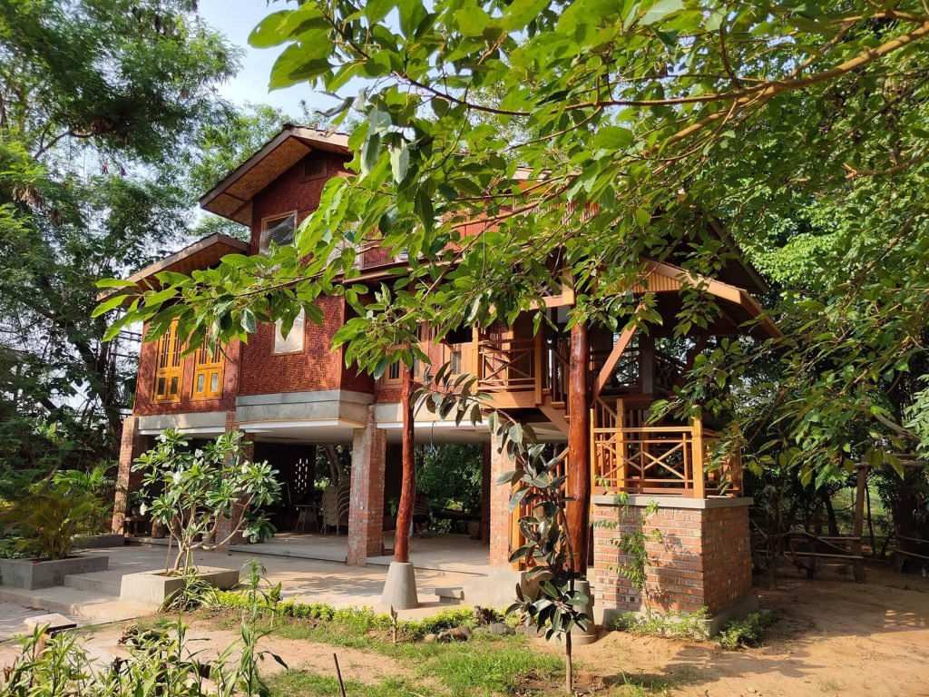 Hsipaw, Mr. Charles River View Lodge | Rama Tours