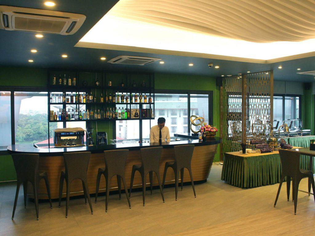 Yangon, Green Hill hotel | Rama Tours
