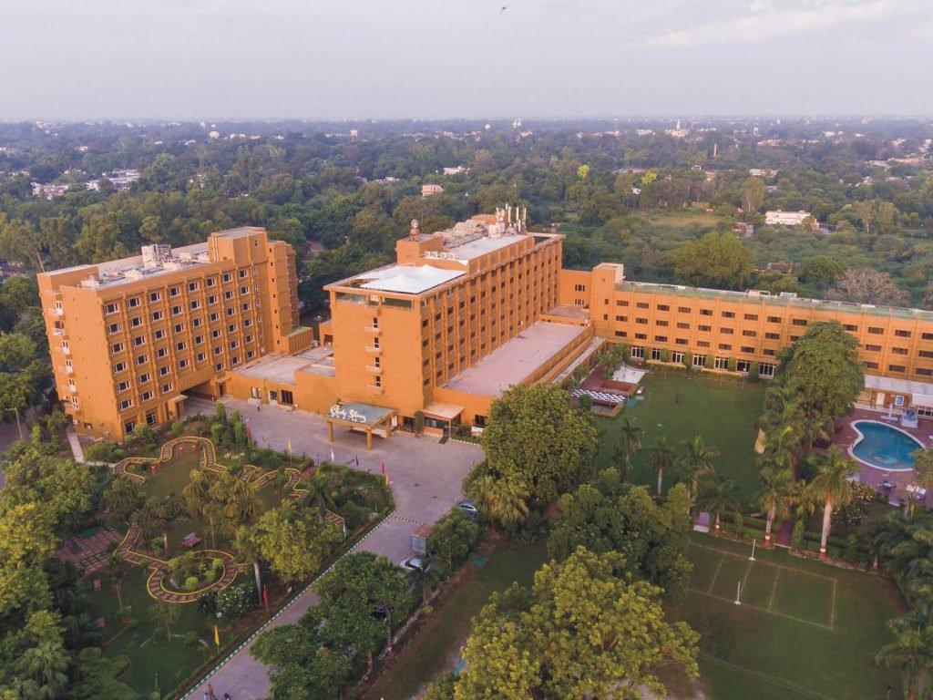 Agra, Clarks Shiraz hotel | Rama Tours