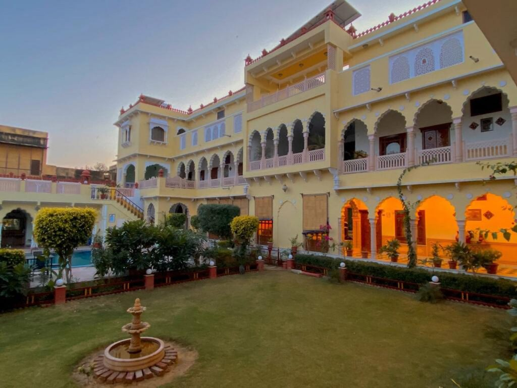 Nawalgarh (Mandawa), The Grand Haveli hotel | Rama Tours
