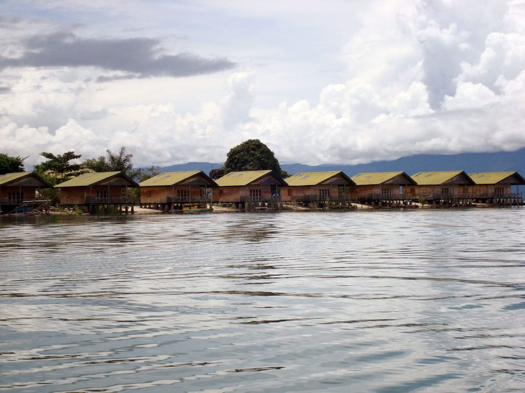 Posomeer (Tentena), Tando Bone resort | Rama Tours