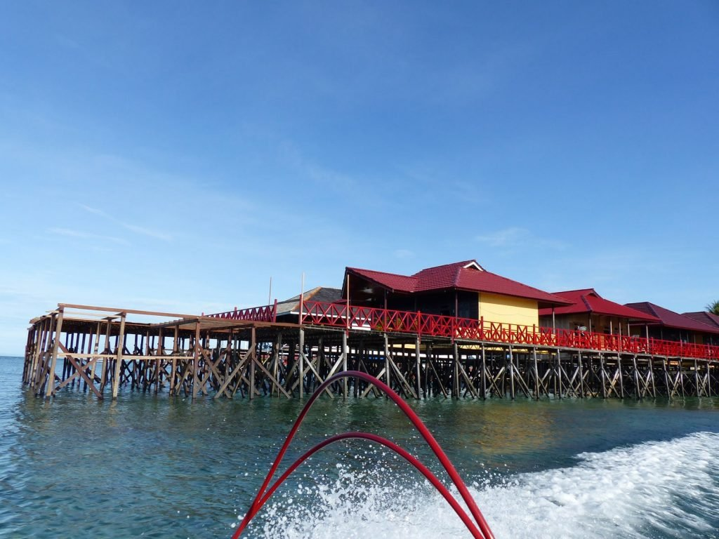 Derawan, Reza Lodge | Rama Tours