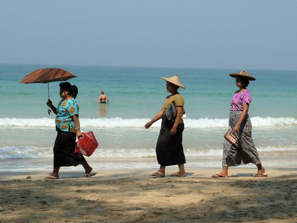 Ngapali Beach | Rama Tours