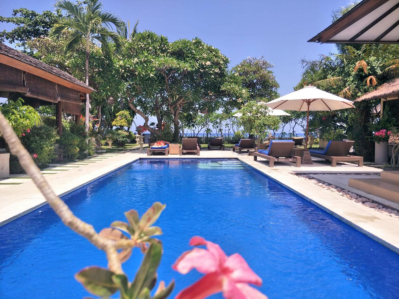 rondreis bali lovina frangipani beach hotel 1