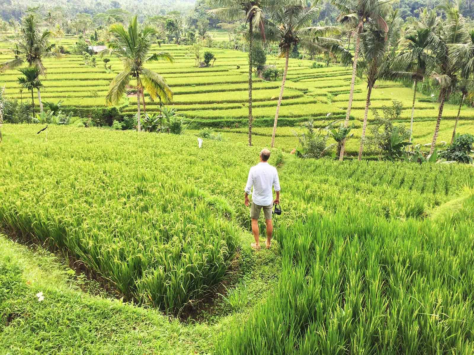 tips voor duurzaam toerisme henk in sawa op bali