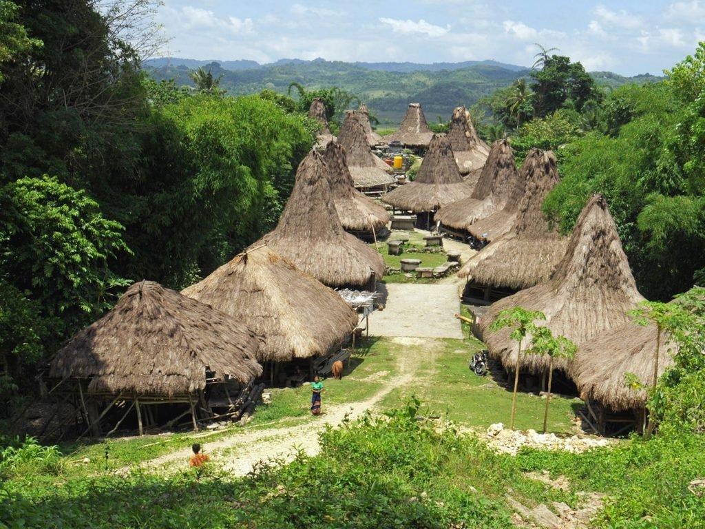 Sumba, Waikabubak | Rama Tours