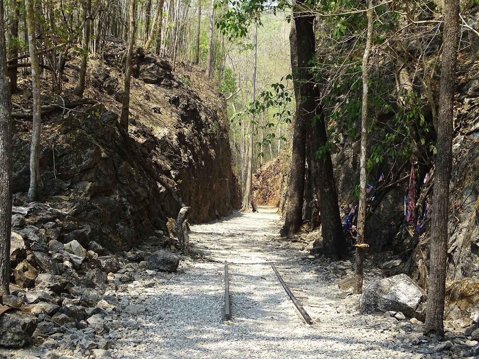 rondreis thailand kanchanaburi sai yok hellfire pass 6