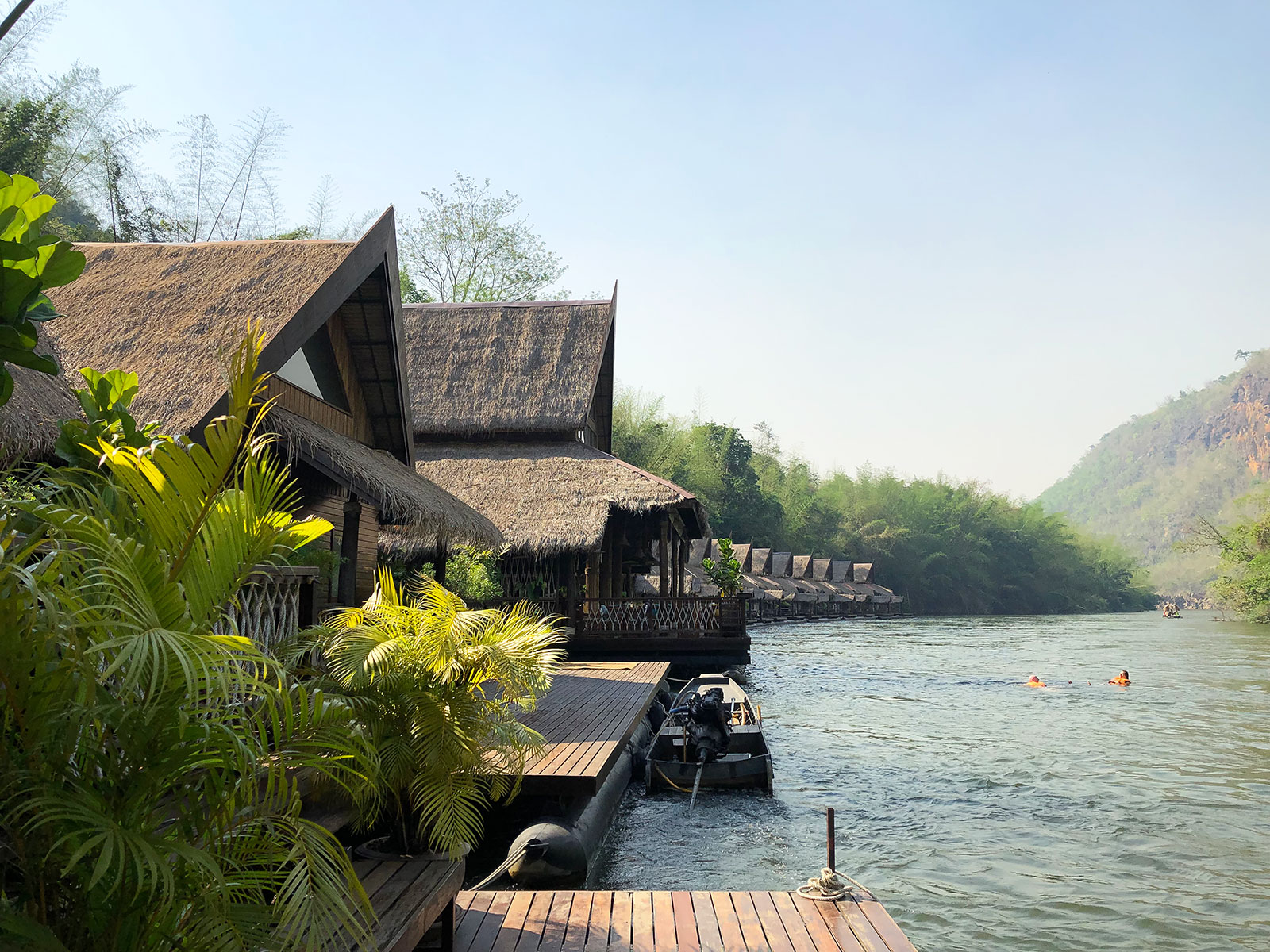 rondreis thailand kanchanaburi the float house river kwai 9