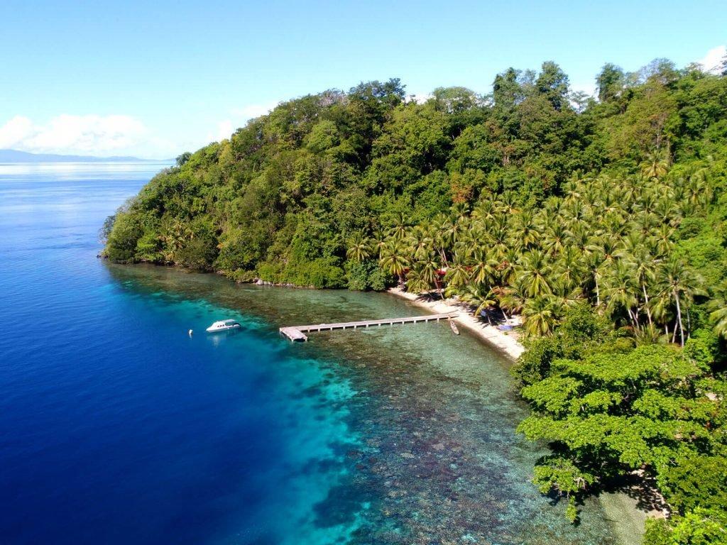 Halmahera, Sali Bay resort   Rama Tours
