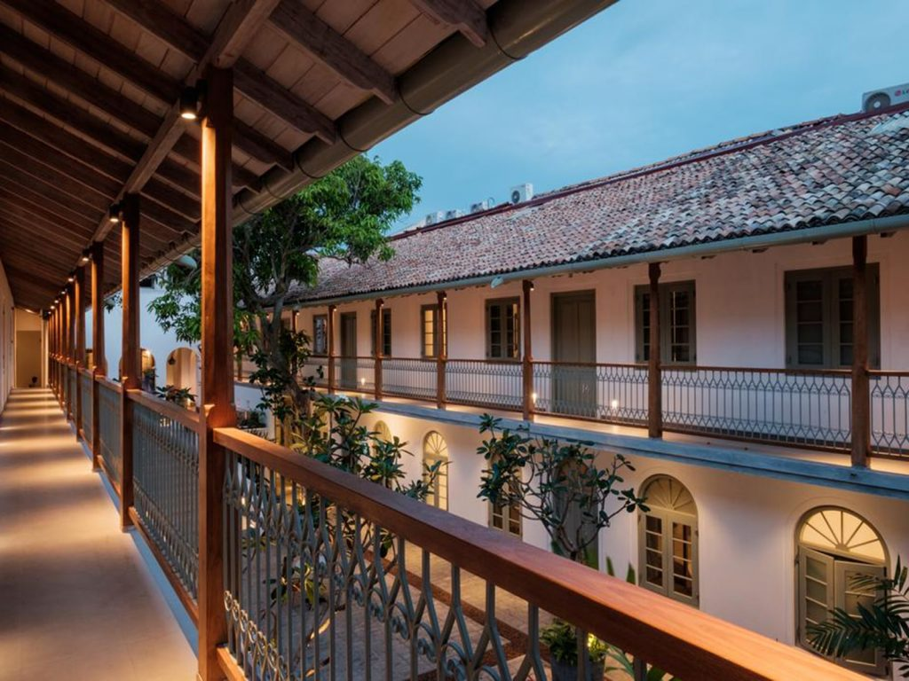 Galle, Fort Bazar | Rama Tours