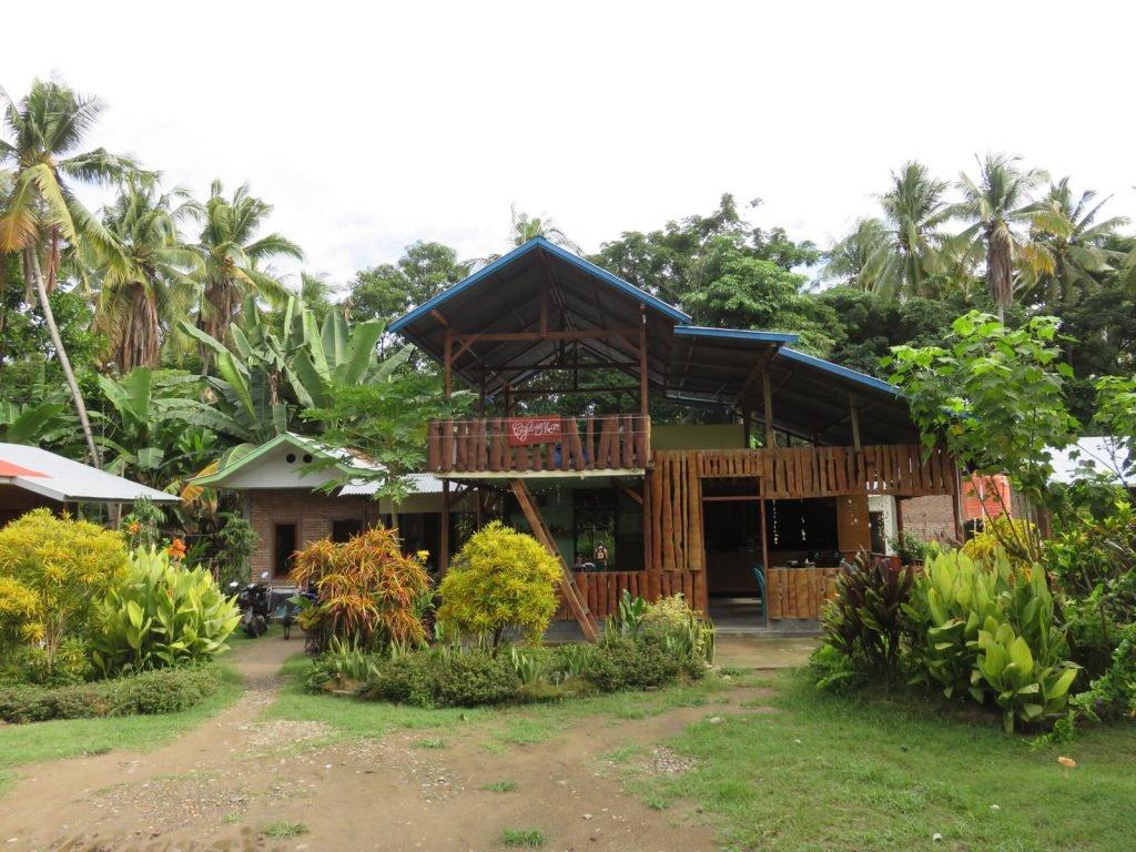 Flores, Riung, Del Mar Café | Rama Tours