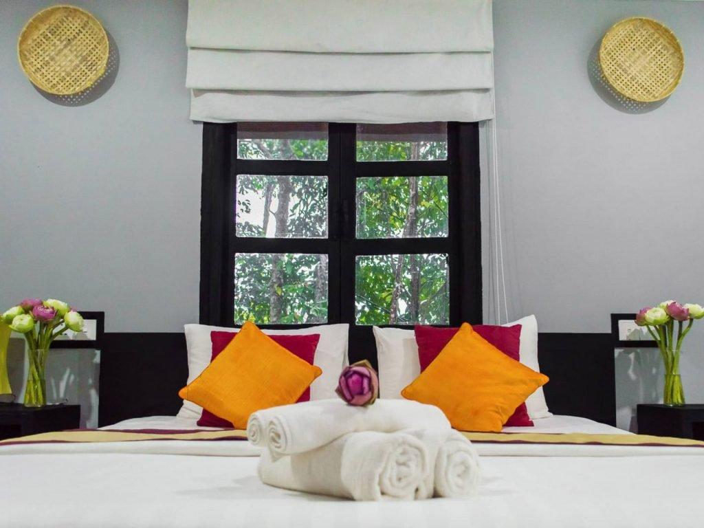 Sihanoukville, Port Hedonia (voormalig Pagoda Rocks) | Rama Tours