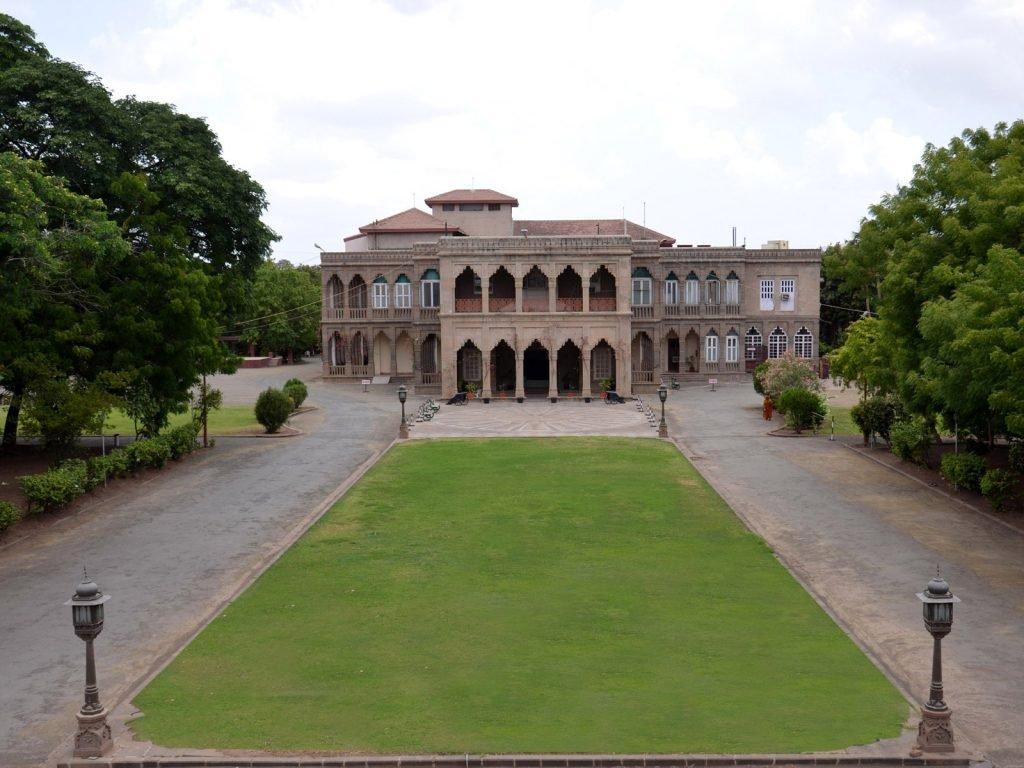 Bhavnagar, Nilambag Palace hotel | Rama Tours