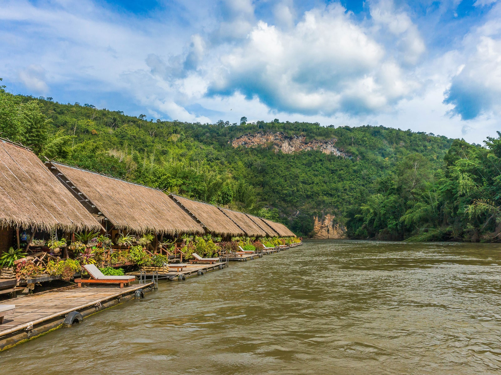 rondreis thailand kanchanaburi jungle rafts river kwai blog 3