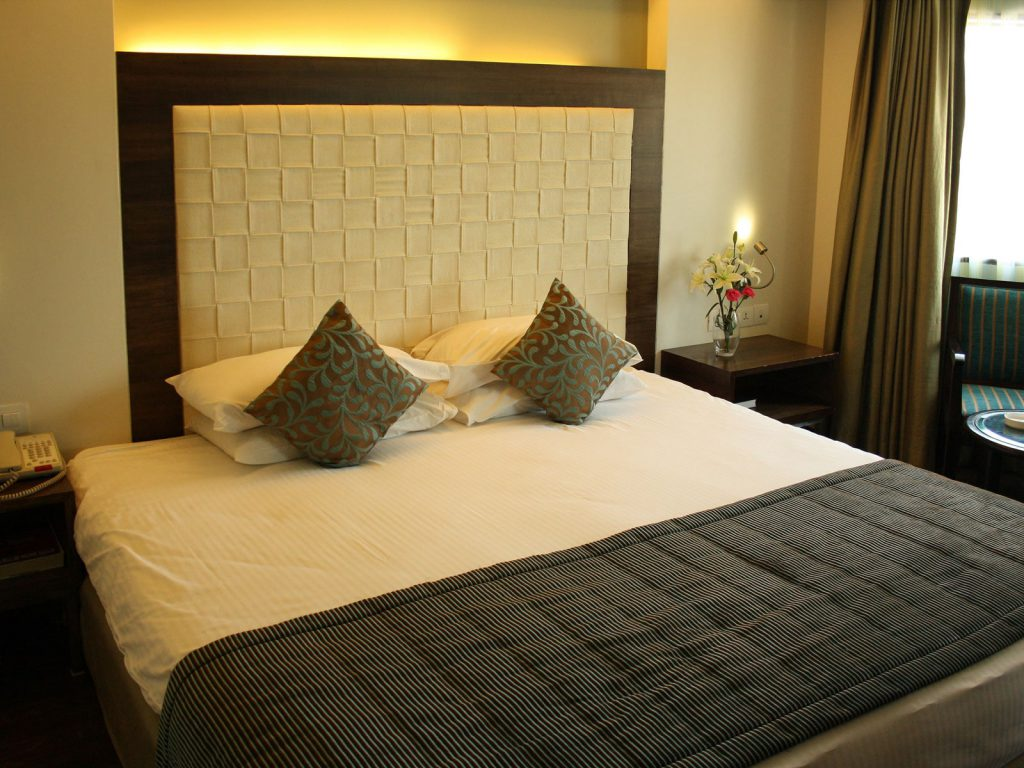 Mumbai, Ramee Guestline hotel Juhu | Rama Tours