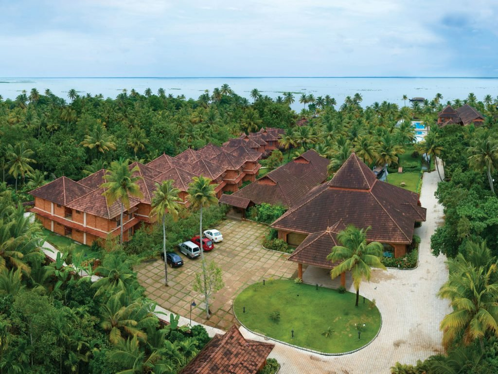 Kumarakom, Eastend Lakesong resort | Rama Tours