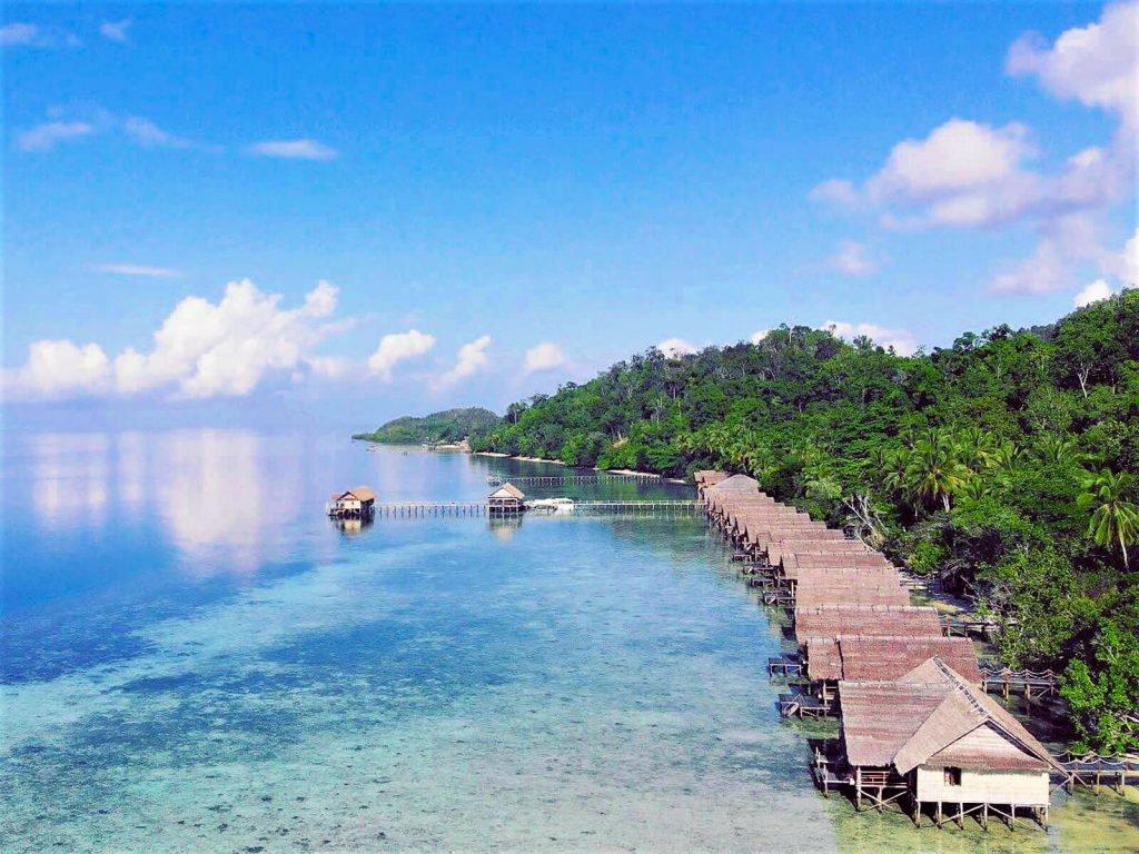 Raja Ampat, Papua Explorers Dive Resort   Rama Tours